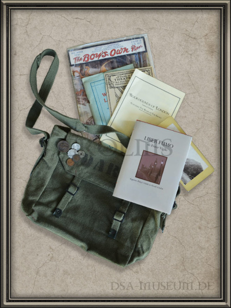 DSA_Schwarze_Auge_Museum_Trail_Cthulhu_Bookhounds_Leatherbound_Limited_Bag